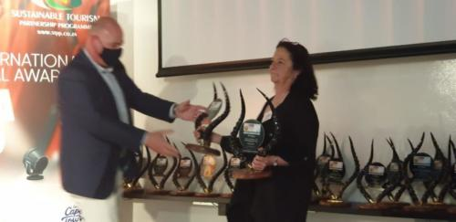 JAMES VOS RECEIVES CITY OF CAPE TOWNS AWARD